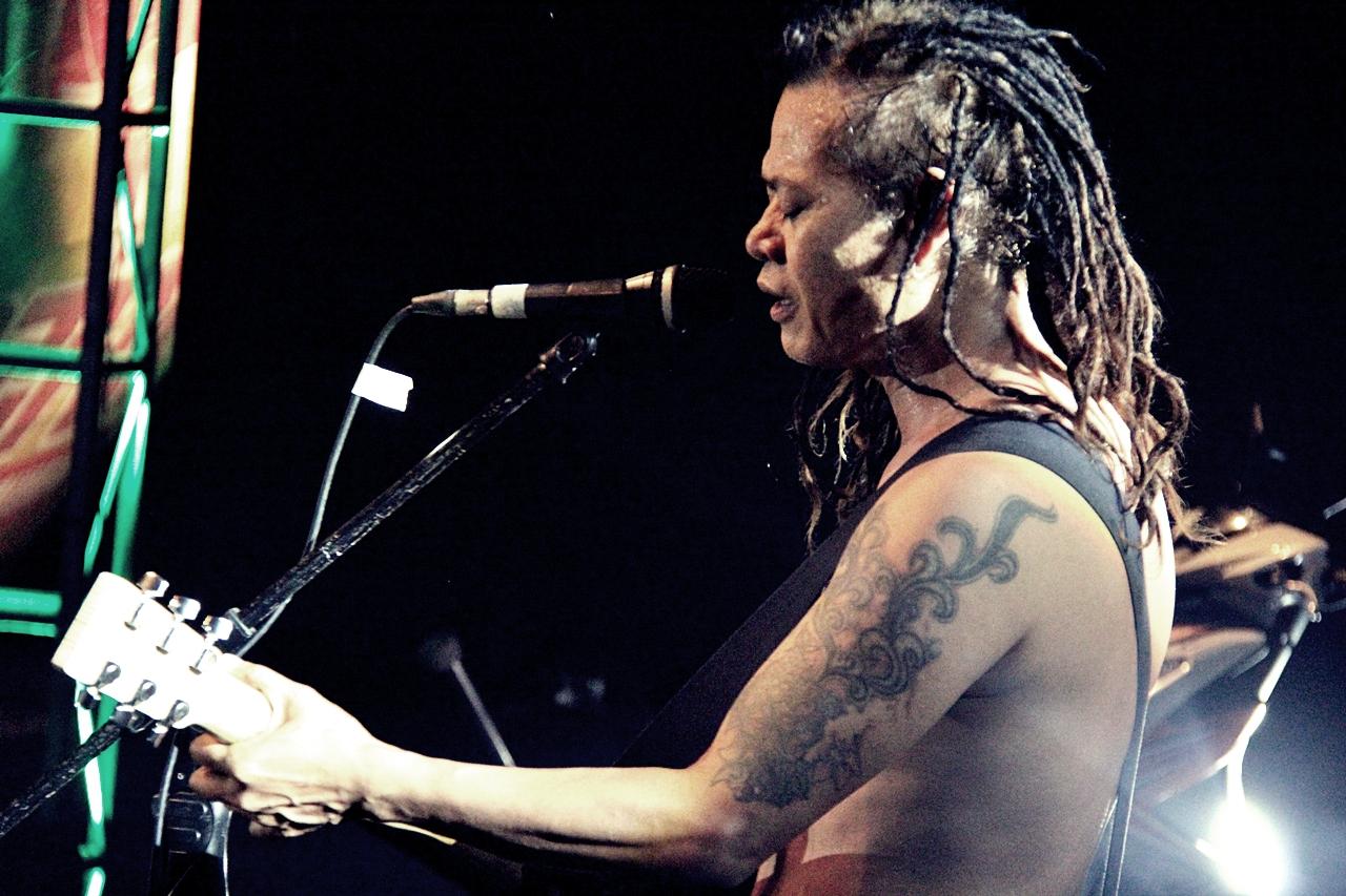 Tony Q Rastafara - Gue Falling In Love - Jatim Fair 2013