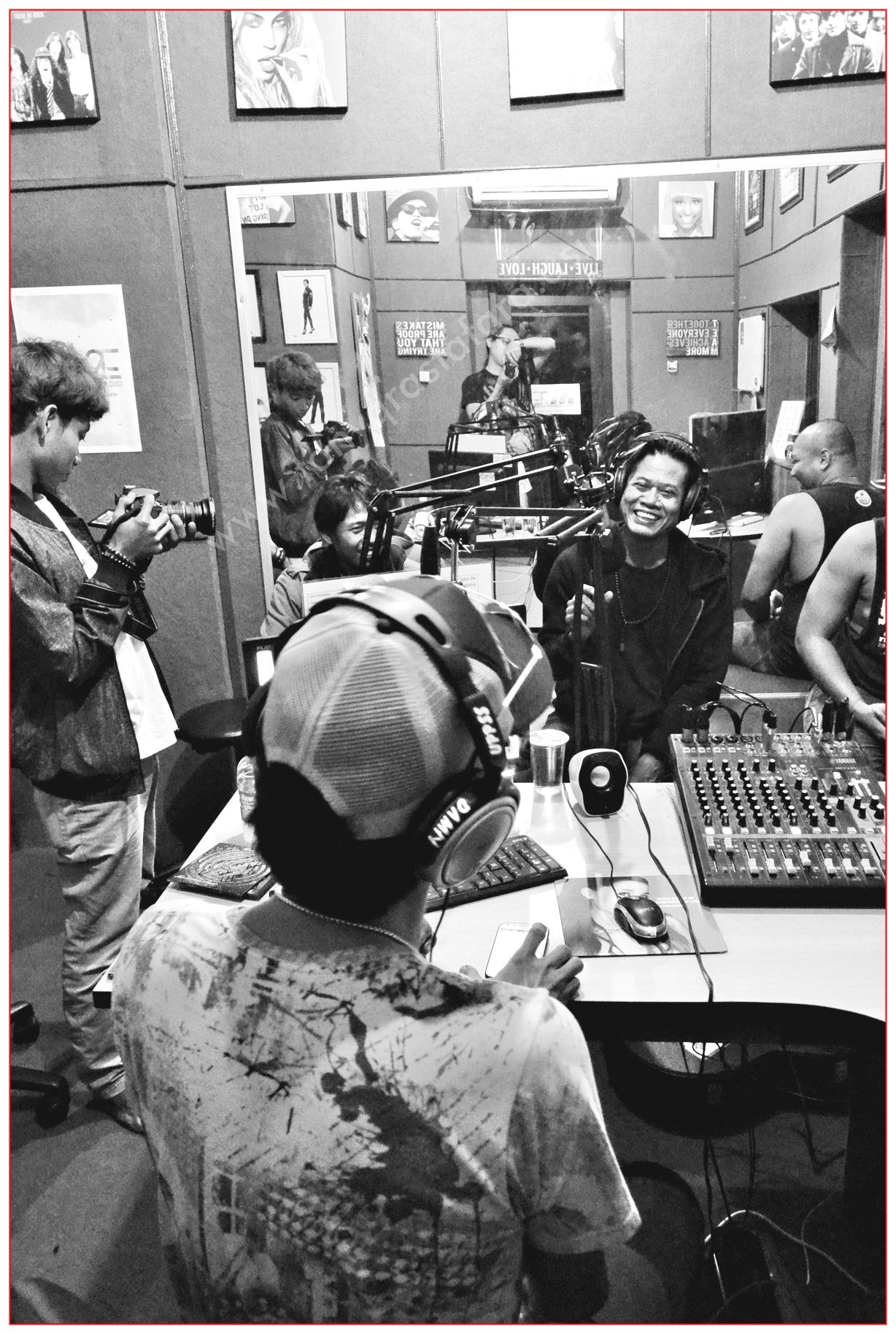 Tony Q Rastafara Interview M2E Radio Bekasi